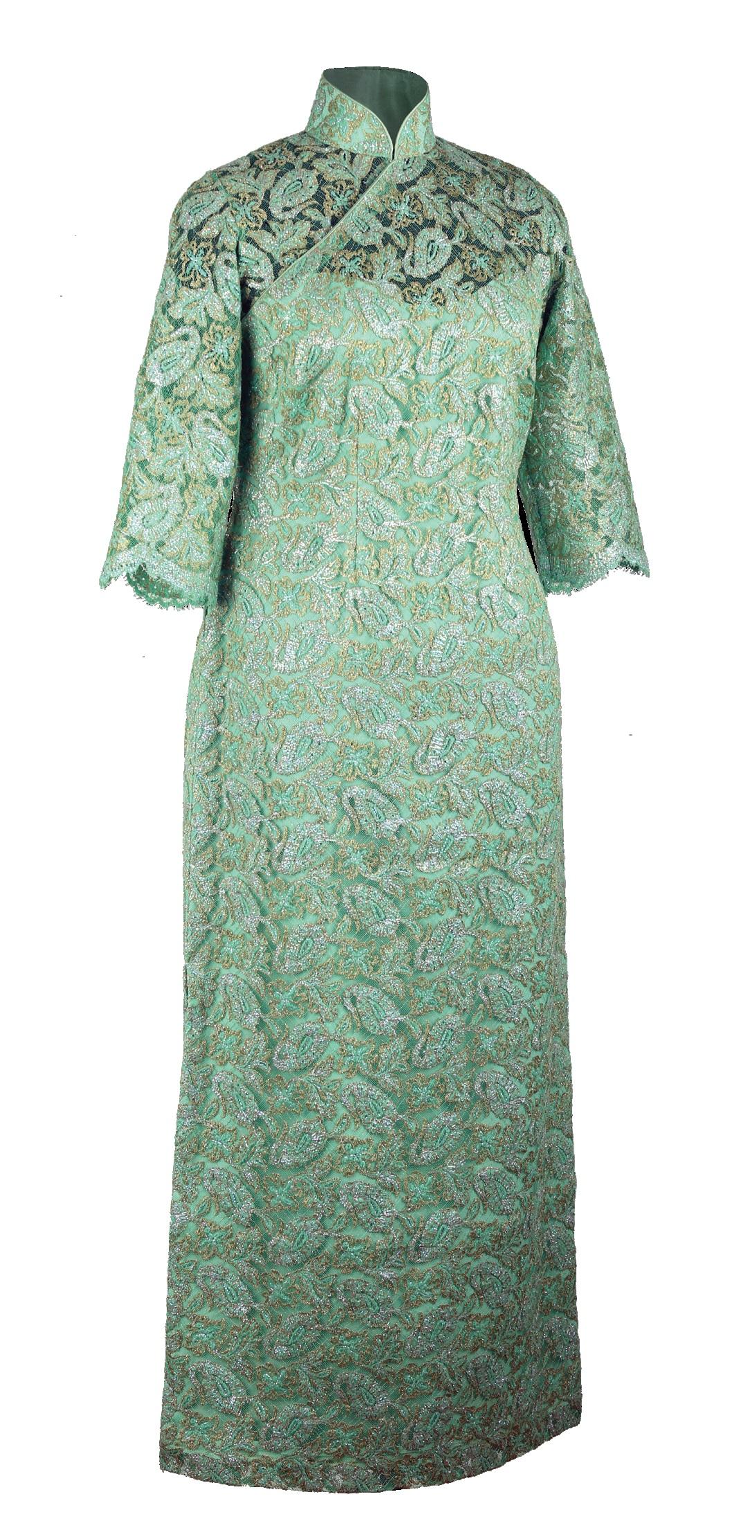 綠色鐳射織金蕾絲中袖旗袍「海上の明月、軽い裾に風を追う-江南の貴族と海派チャイナドレス」上海大学博物館-海派文化博物館