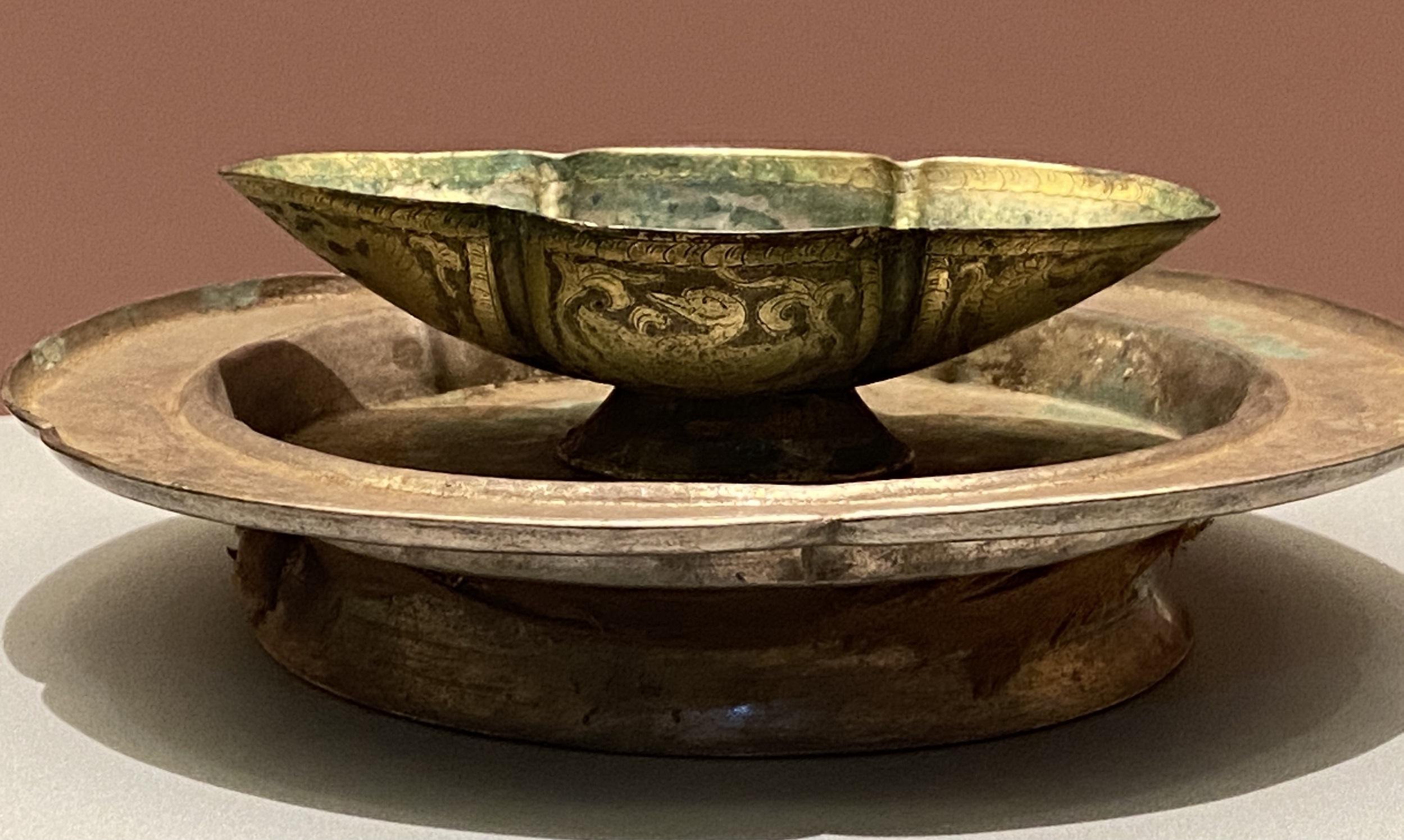 鎏金海棠形銀托盞-遼時代-特別展【食味人間】四川博物院・中国国家博物館