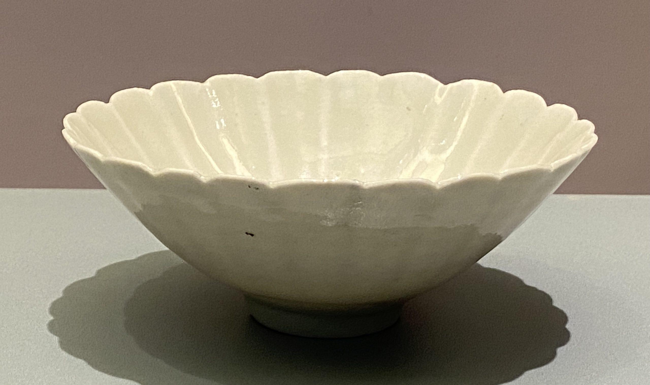 青白釉菊瓣紋花口碗-宋時代-特別展【食味人間】四川博物院・中国国家博物館