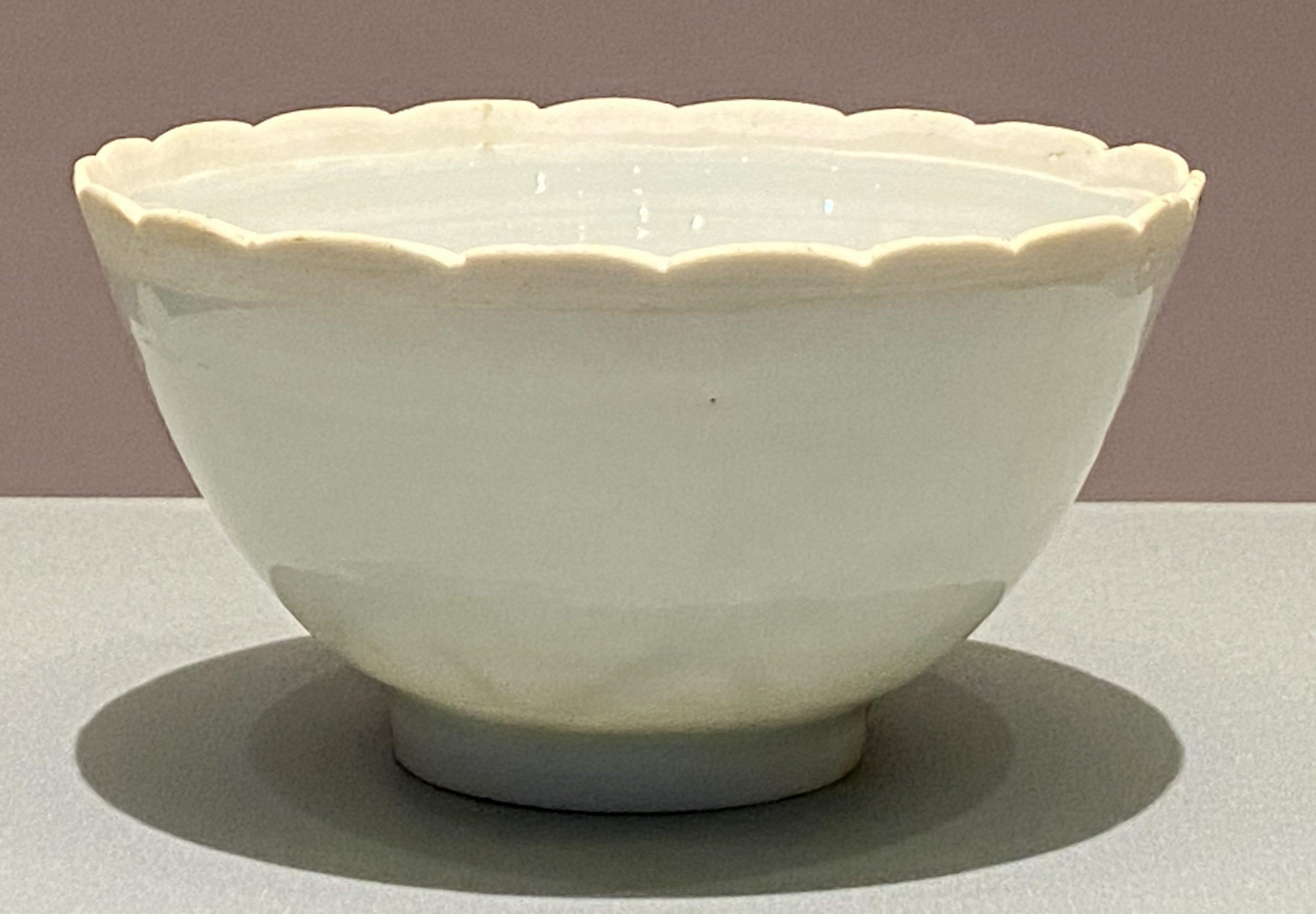青白釉磁花瓣芒口小碗-宋時代-特別展【食味人間】四川博物院・中国国家博物館