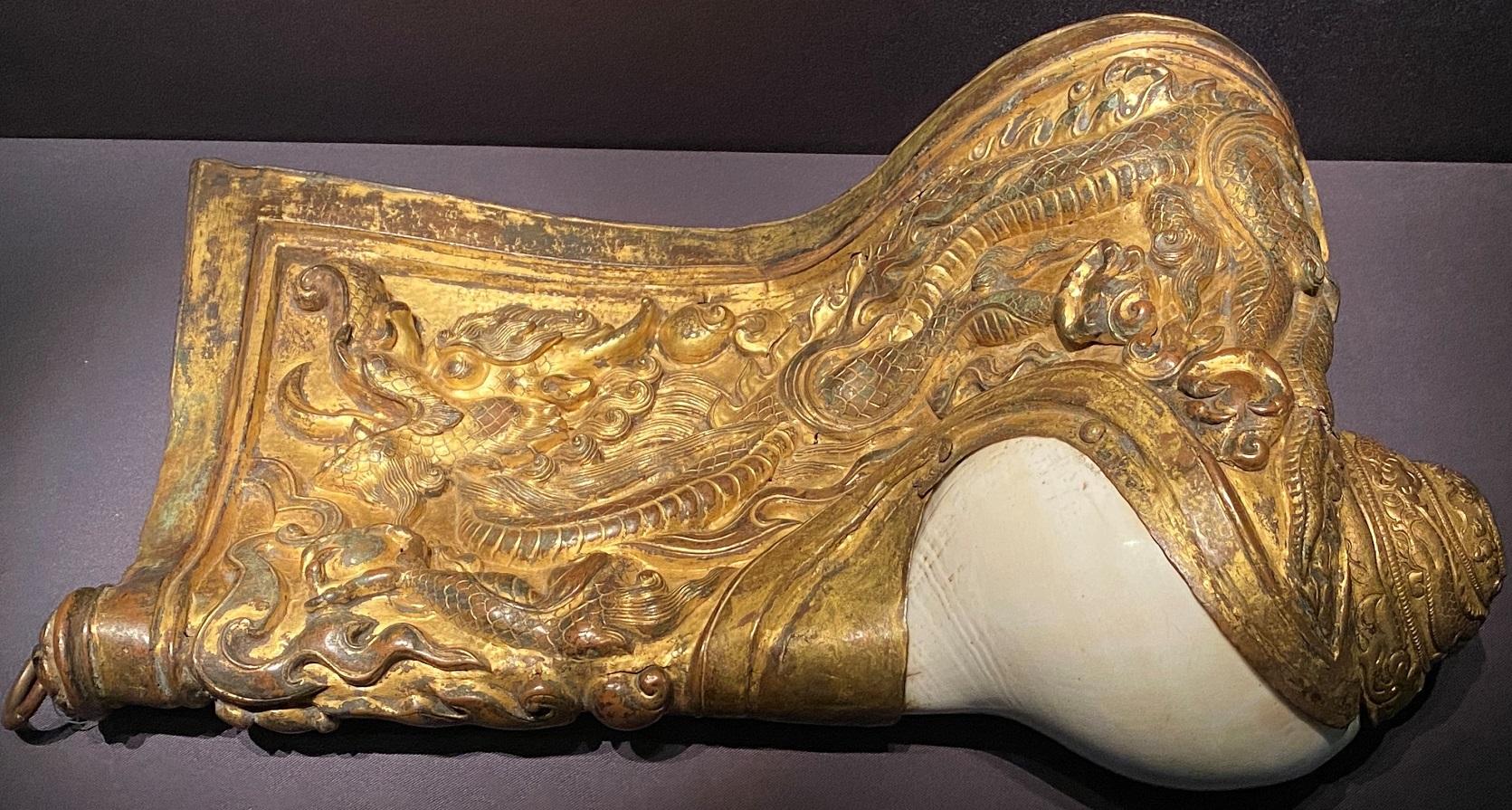 銅鎏金鑲翅法螺-特別展【七宝玲瓏-ヒマラヤからの芸術珍品】-金沙遺跡博物館-成都