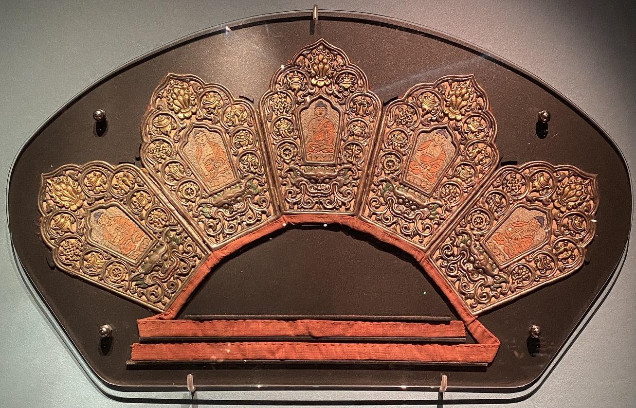 銀鎏金緙絲五仏冠-特別展【七宝玲瓏-ヒマラヤからの芸術珍品】-金沙遺跡博物館-成都