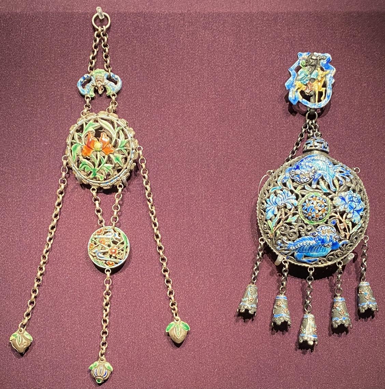 銀焼藍飾件-特別展【七宝玲瓏-ヒマラヤからの芸術珍品】-金沙遺跡博物館-成都